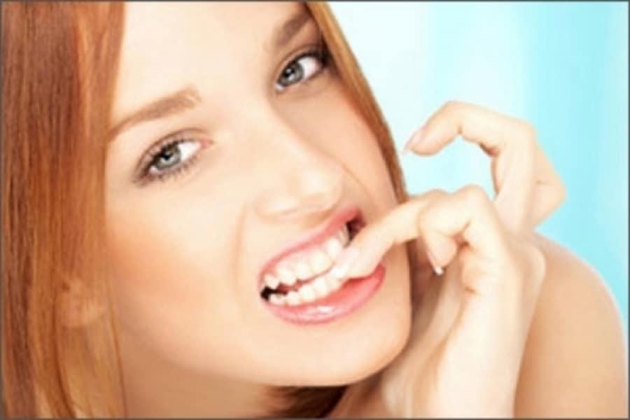 Morderse las uñas es malo para nuestra salud buco-dental.